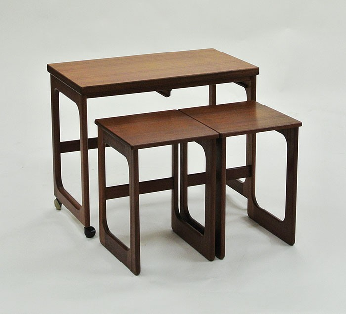 ネストテーブルセット